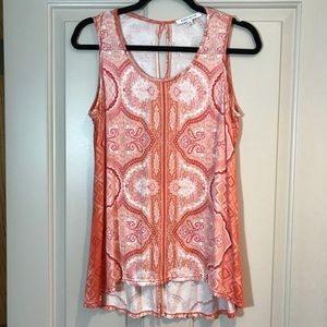 Sweet Lightweight tank top with lots of details